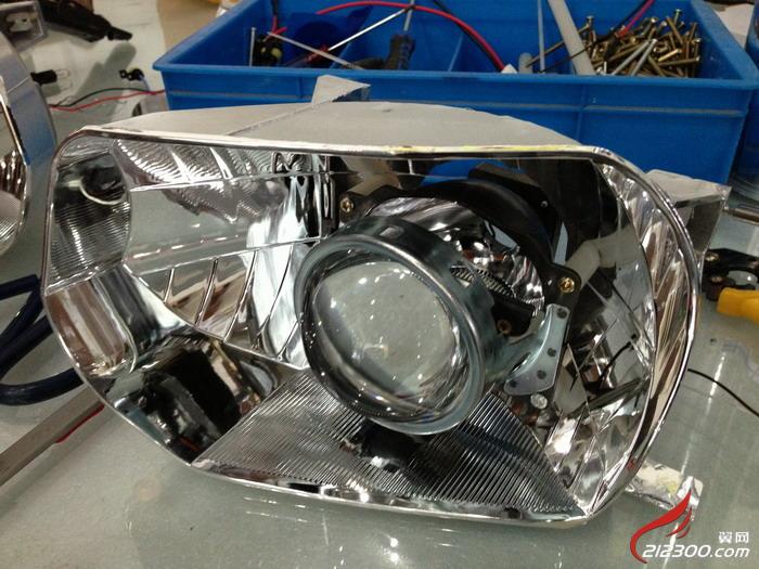 锦城1号车灯升级 科鲁兹小升级灯光系统 汽车改装维修保养高清图片