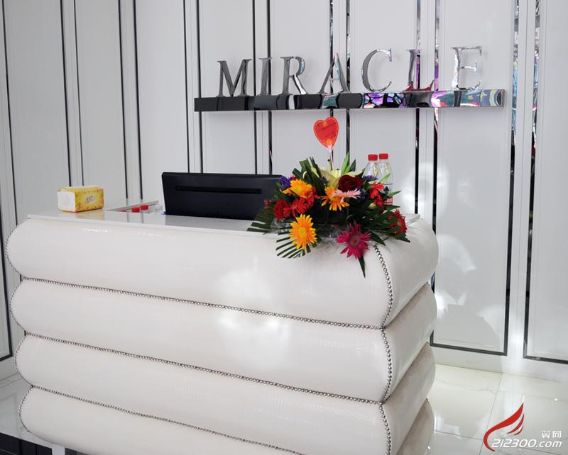 婚纱前台展柜手绘图