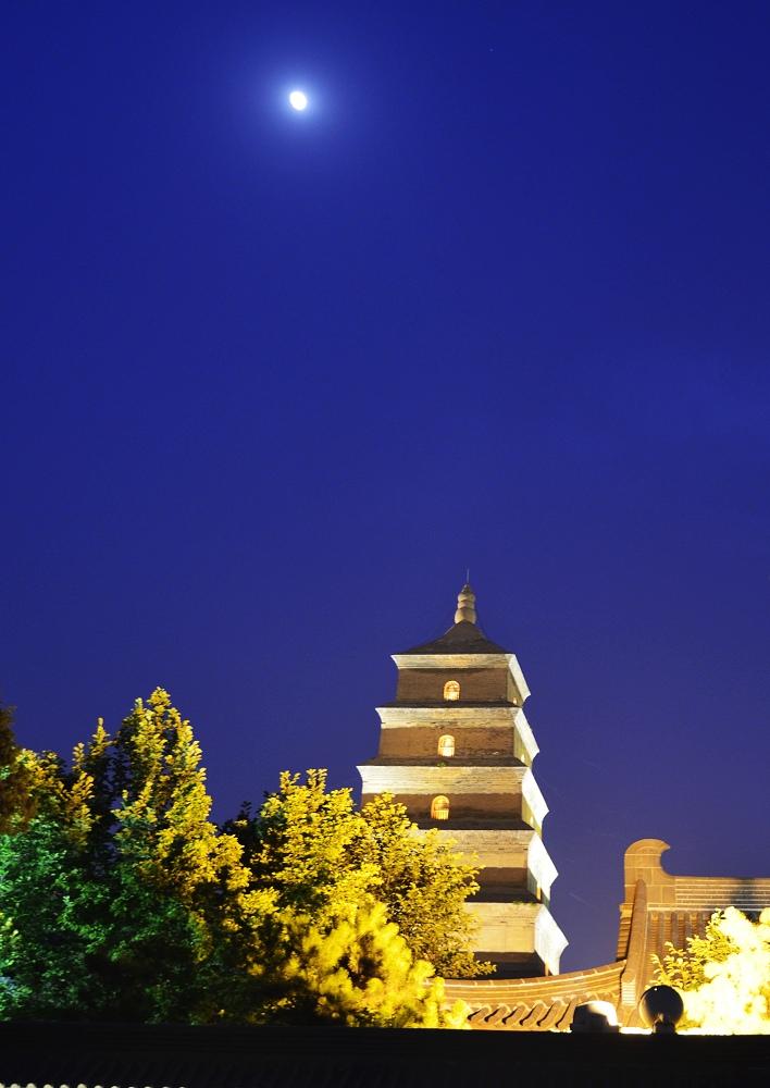 大雁塔的音乐喷泉检修
